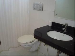 Hotel Ratnawali - Pure Veg Hotel Jaipur - Bathroom