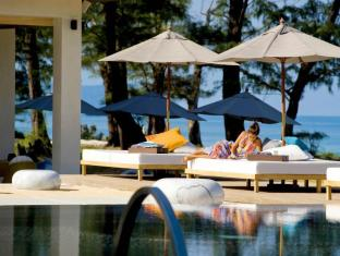 Renaissance Phuket Resort & Spa A Marriott Luxury & Lifestyle Hotel Phuket - Pool side chill out