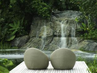 Renaissance Phuket Resort & Spa A Marriott Luxury & Lifestyle Hotel Phuket - Loca Vore Outdoor Seating
