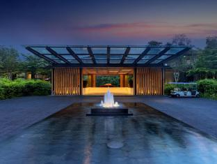 Renaissance Phuket Resort & Spa A Marriott Luxury & Lifestyle Hotel Phuket - Hotel Entrance