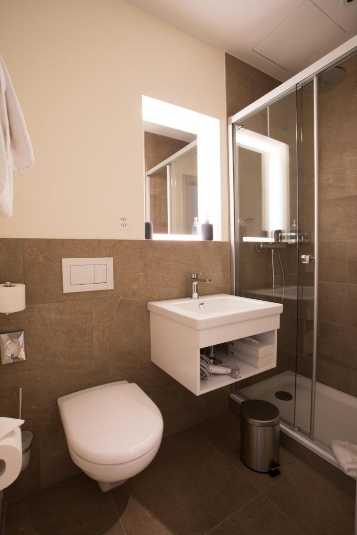 Kreuz Bern Modern City Hotel. photo 2