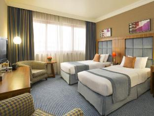 City Seasons Al Hamra Hotel Abu Dhabi - Premium Twin Room