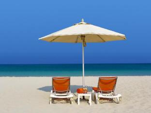 City Seasons Al Hamra Hotel Abu Dhabi - Beach