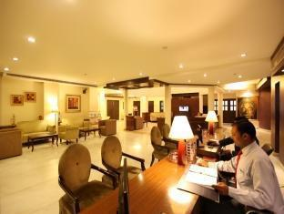 Hotel Clark Greens - Airport Hotel & Spa Resorts New Delhi and NCR - Concierge