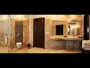 Hotel Clark Greens - Airport Hotel & Spa Resorts New Delhi and NCR - Bathroom