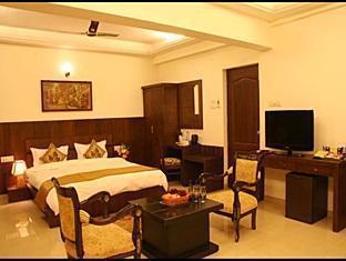 Le Seasons Beach Resort North Goa - Suite Room