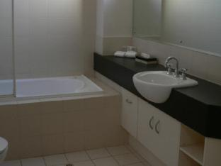 RNR Serviced Apartments Adelaide2