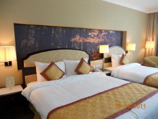 La Sapinette Hotel Dalat - Triple Room