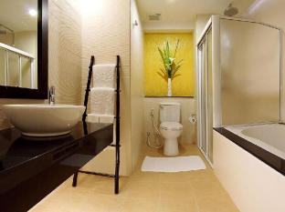 Palmyra Patong Resort Phuket - Deluxe Pool Access - Bathroom