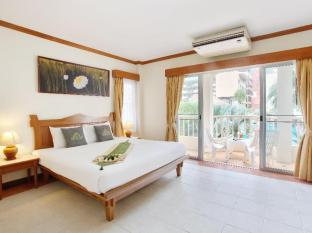 Palmyra Patong Resort Phuket - Family Villa - Master Bedroom