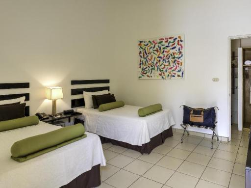 ➦  Best Western International    (Guanacaste) customer rating