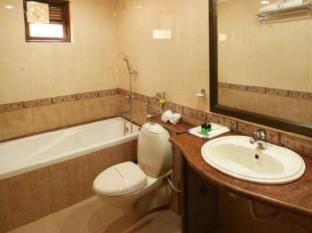 Nazri Resort North Goa - Bathroom