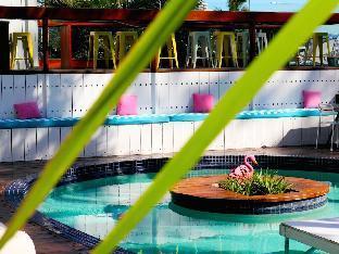Komune Resort and Beach Club Greenmount Beach4