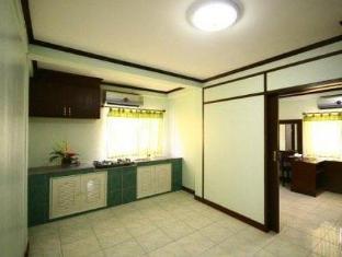 Amarin Inn Bangkok - Suite Room