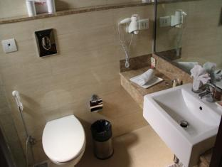 Shervani Nehru Place New Delhi and NCR - Bathroom-Nano Room