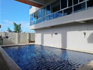 Cleverlearn Residences Mactan Island - Piscina