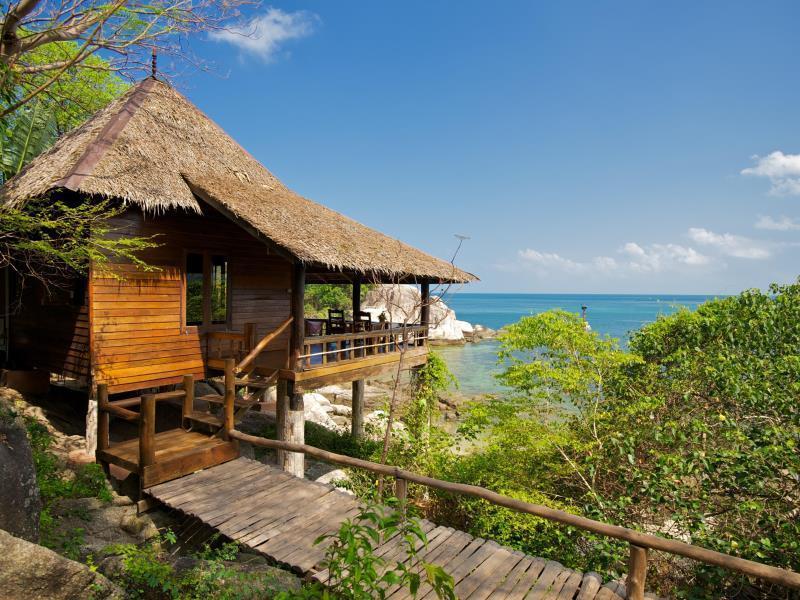 แนะนำที่พักติดทะเล วิวสวย บรรยากาศดี น่าพักสุดๆ บนเกาะเต่า