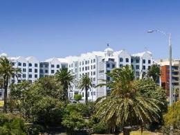 Novotel Melbourne St Kilda Hotel