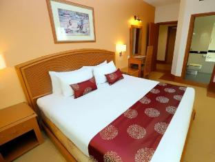 M Suites Hotel Johor Bahru - 3 Bedroom Suites Master Bedroom