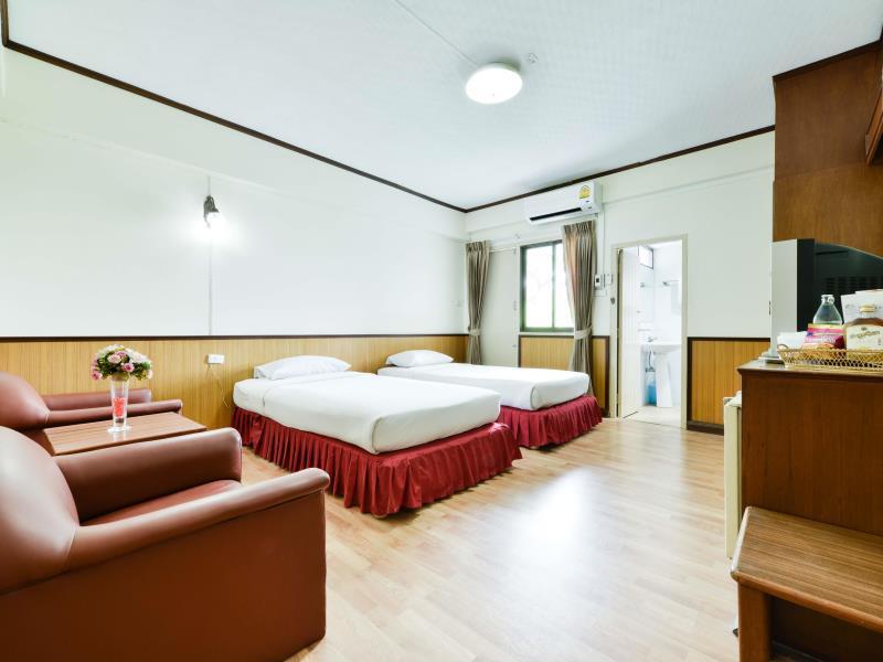 โรงแรมไนซ์ พาเลซ