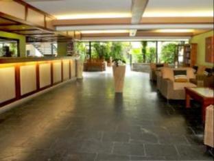 Bay Village Tropical Retreat & Apartments Cairns - Reception