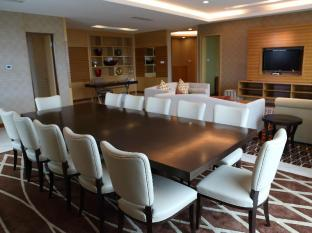 Four Points By Sheraton Kuching Hotel Кучінг - Номер Люкс