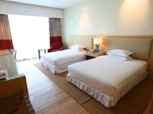 Four Points By Sheraton Kuching Hotel Kuching - Külalistetuba