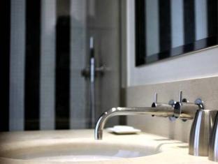 Hotel Le A Paris - Bathroom