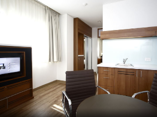 1 Bedroom Apartment King Bed