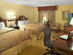 Best PayPal Hotel in ➦ Davenport (IA): Hotel Davenport and Conference Center