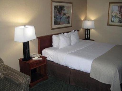 Clarion Inn Elk City hotel accepts paypal in Elk City (OK)