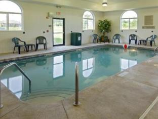 Country Inn & Suites by Carlson Cedar Rapids Airport Cedar Rapids (IA) - Swimming Pool