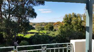 Review Joondalup Golf Retreat Perth AU