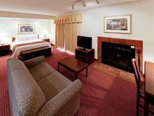 ➦  Wyndham Hotels & Resorts    (Kansas) customer rating