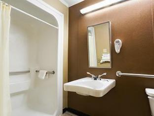 Microtel Inn Columbia Two Notch Rd Area Columbia (SC) - Bathroom