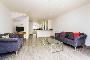 Beautiful Modern 3BR House Fulham