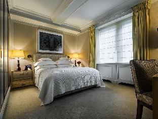 The Mark Hotel guestroom junior suite