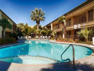 view of Best Western Ingram Park Inn