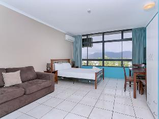 Review Sunshine Towers 505 Cairns AU