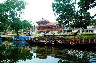 Sisir Palace Backwater Resort Аллеппи