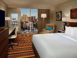 view of Hilton Palacio Del Rio Hotel