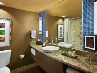 room of Hilton Palacio Del Rio Hotel