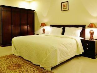 Brzeen Hotel