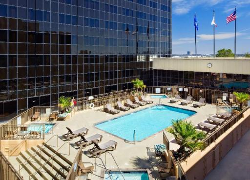 Hilton Hotel in ➦ Los Angeles (CA) ➦ accepts PayPal