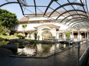Hotel Merdeka Kediri Kediri - Taman