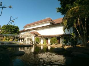 Hotel Merdeka Kediri Kediri - Tampilan Luar Hotel