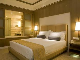 Crowne Plaza Hotel New Delhi Okhla New Delhi and NCR - King Bed Guest Room