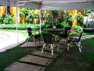 Casa Filomena Hotel Bohol - Rõdu/Terrass