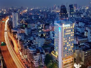 ロゴ/写真:Novotel Bangkok Fenix Silom Hotel