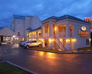 Econo Lodge Inn and Suites University Calgary